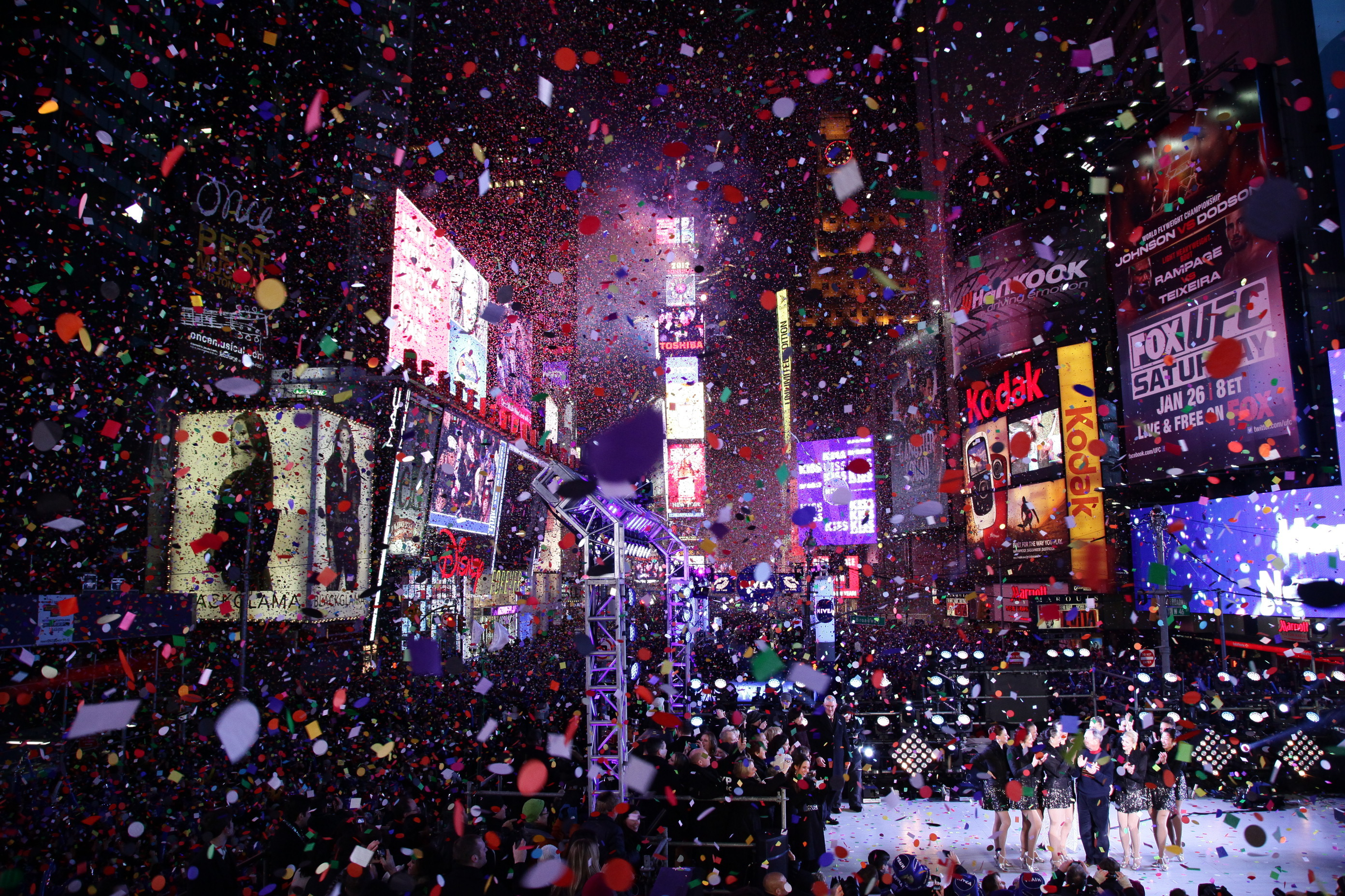 New year 2018 10 best places to ring it in celebrate for Activities in times square