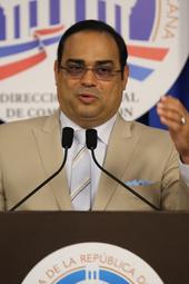 Gilberto Santa Rosa ofrece detalles de su encuentro con el presidente Medina