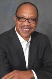 Eugene Robinson speaks at 2013 Mary Alice Davis Distinguished Lecture in Journalism