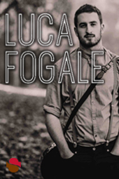 Luca Fogale live at Streaming Cafe