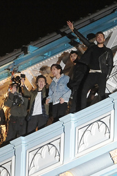 "EXCLUSIVE : One Direction Filming ""Midnight Memories"" Music Video in London"