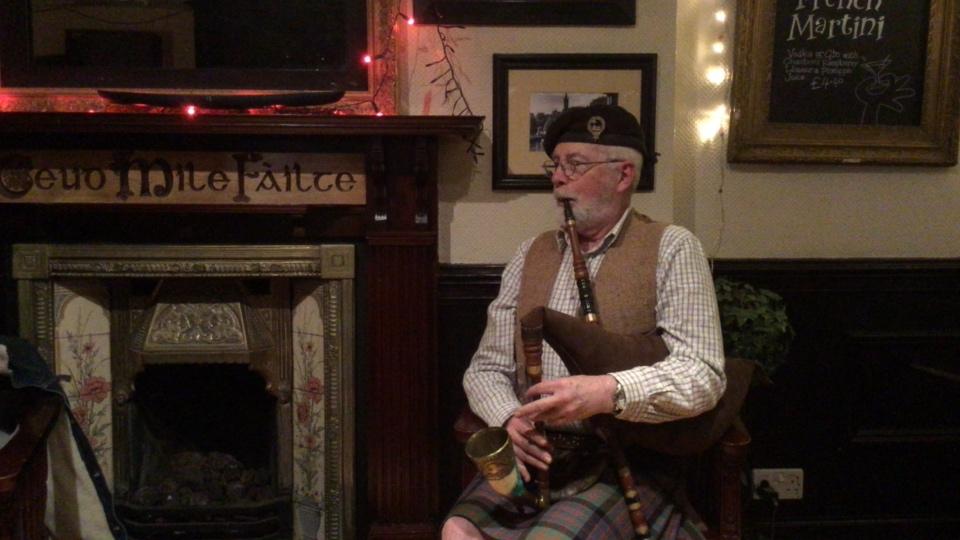 AN GEALBHAN le Seumas MacDhomhaill (James MacDonald Reid)
