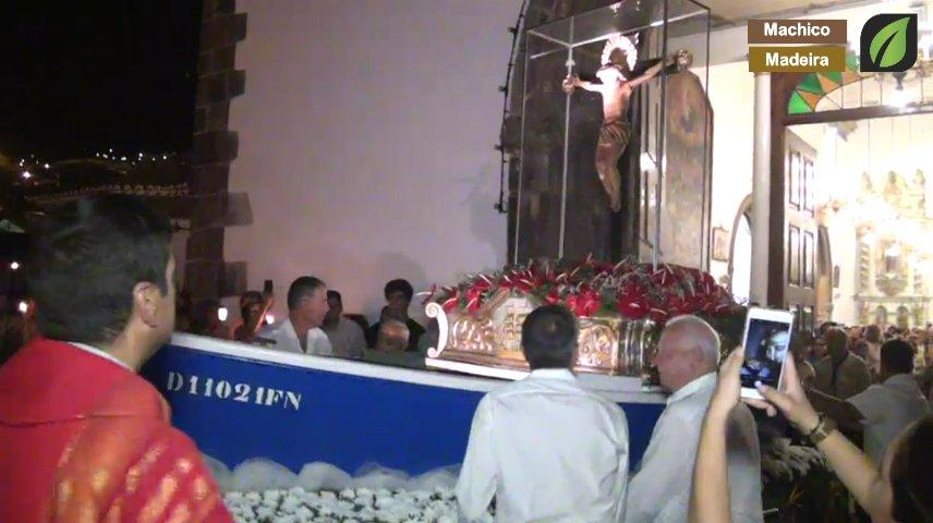 Chegada da Procissão à Igreja na Festa do Senhor dos Milagres