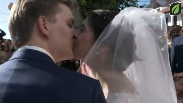 Sa�da dos noivos da igreja - Casamento / Wedding: Flo Vlaanderen and Joana Ribeiro TV SD (2016)