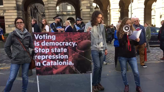 Edinburgh demo: voting is democracy - stop state repression in Catalonia