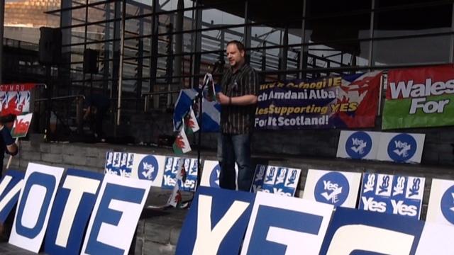 Wales Supporting YES - Cymru'n Cefnogi IE