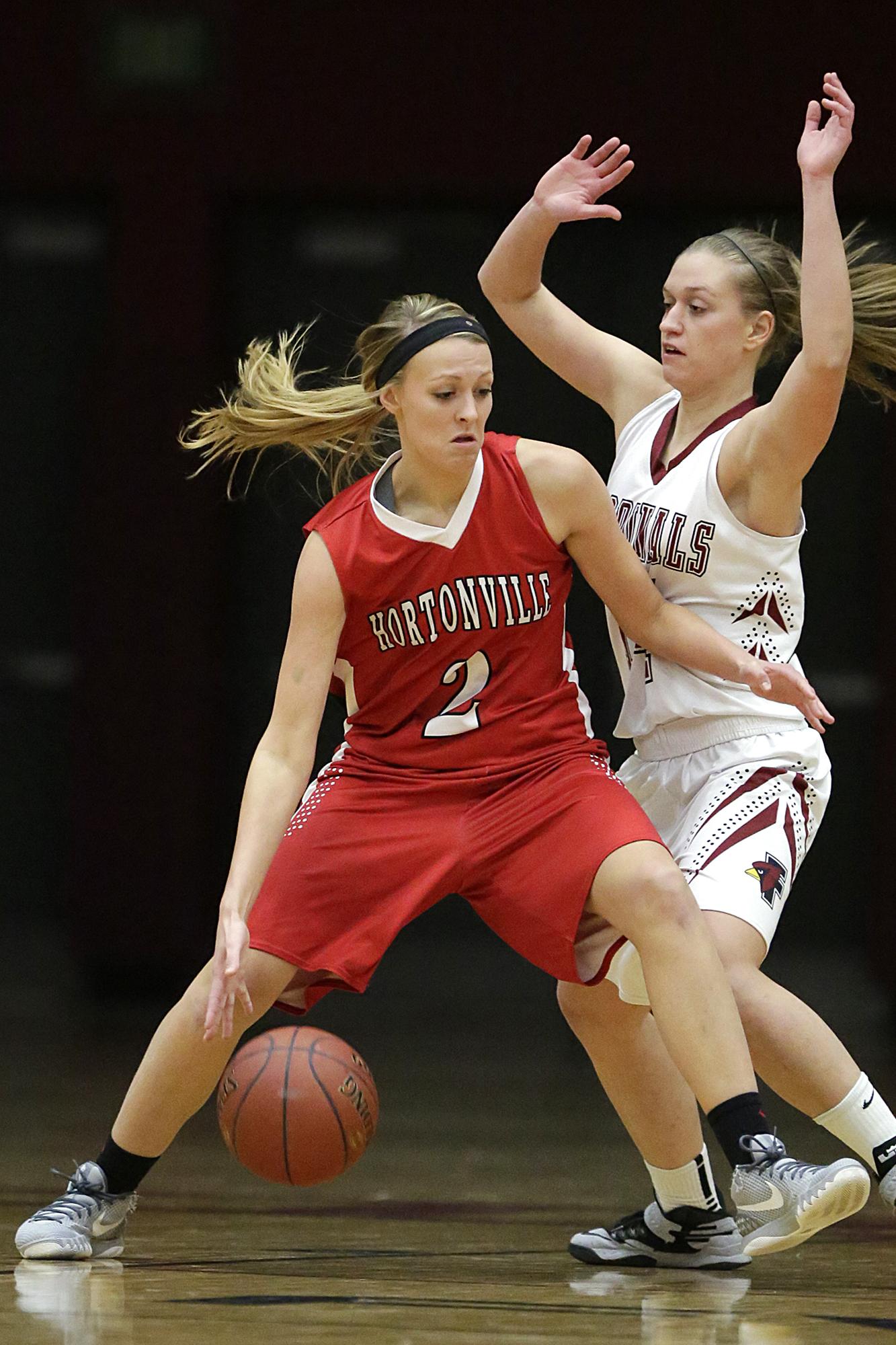 WIAA girls' basketball: Hortonville vs. New London on ...