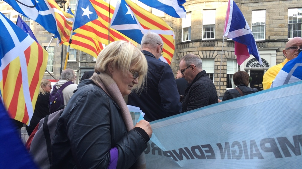 Scotland stands with Catalonia - at the Spanish consulate in Edinburgh