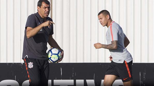 Último treino antes do Vitória com golaço do Vital
