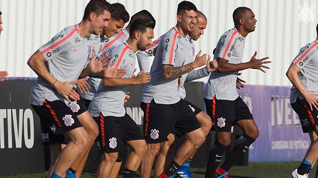 Último treino antes da partida contra o Colo Colo pela Libertadores