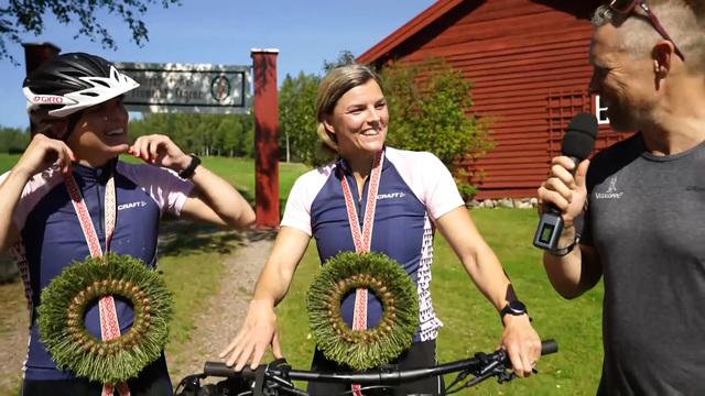 Jenny och Susanna Kallur i mål i Hemmavasan Cykel 45 2020
