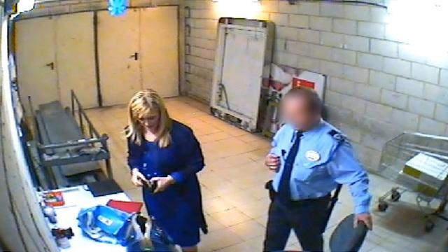 Este es el vídeo de Cristina Cifuentes robando cremas Olay en Eroski